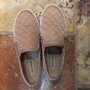 Steve Madden pink quilted leather slip ons
